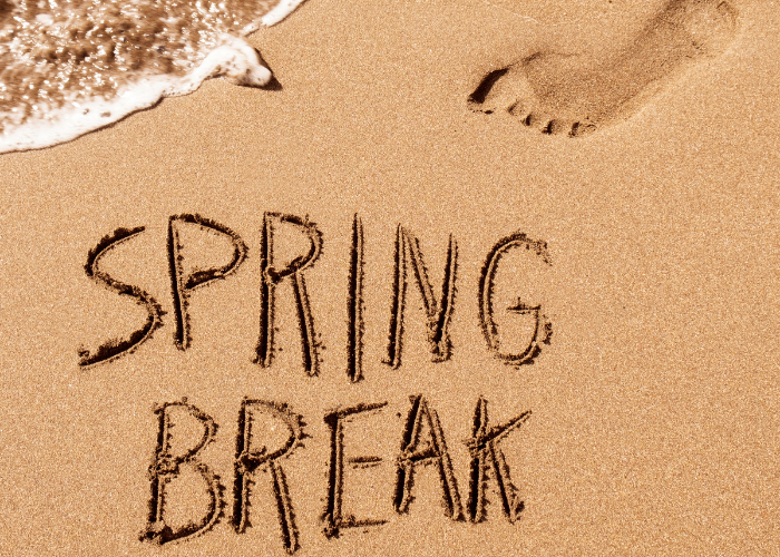 Spring Packing List: What to Pack for Spring Break!